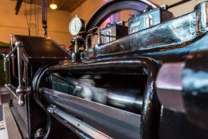 Die restaurierte Dampfmaschine der Firma Herrmann Ulbricht.
