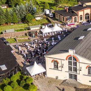 Raum für Hochzeitsfeier im Erzgebirge mieten.